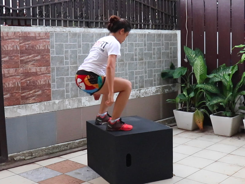 box jumps กระโดดขึ้นกล่อง